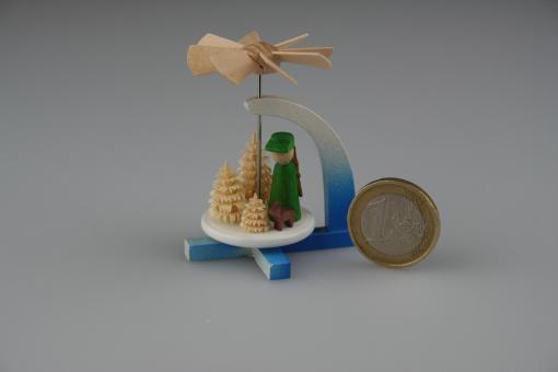 Windspiel Pyramide Jäger farbig