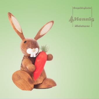 Hennig Miniaturen Hase mit Möhre natur